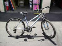 Giant Boulder Woman's Mountain Bike $200.00 OBO. Clean