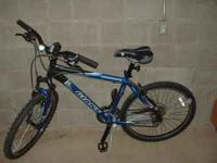 For Sale; GIANT BOULDER SE mountain bike, 21 speed, 26
