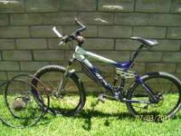 giant A.C air, with xtra rims for dirt and street. blue