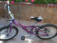 Giant MTX bike for girl, it's in excellent condition.