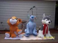 "3 giant stuffed children's toys (""Simba,"" ""Scooby Doo,"""