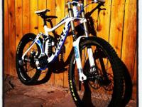Giant 2011 Glory 1 Downhill Bike This bike rocks! This