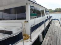 50 Ft. Gibson Crusader Houseboat with a Twin 454