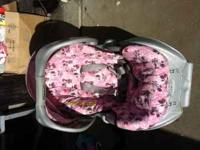 its almost new car seat and stroller travel set pink &