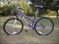 "Girl's/Women's Roadmaster Mountain Bike 26"" 18-Speed"