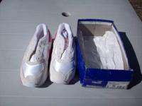 NEW and NEVER Worn Reebok Running Sneakers Girl's Size: