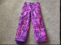 Cute girl snow pants. Brand name brand-new condition,