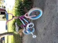 Girls pink huffy. 12in tires. this bike does come with