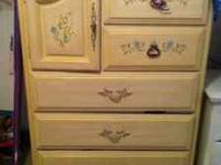 Super Cute Girls 4 Piece Twin Bedroom Set for Sale.