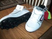 Brand NEW girls baseball cleats, Rawlings size 12 in