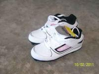 I have a pair of boys black heely's sizes 3. They are