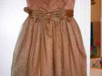 beautiful party dress, sz 7/8 perfect condition please