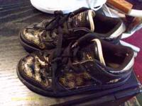 shoes in nice condition..no worn marks on