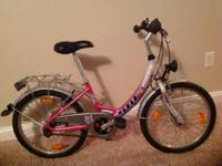 Girls bike, extremely well made. For girl age 7-10
