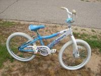 Girls Raleigh Jazzi for sale in good condition. Give me