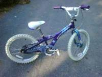 Looking to sell a girls Scwinn Deelite bicycle in