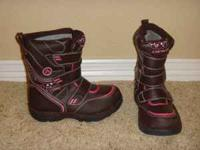 Girls Snowboots Size 13 Like New!! $15 - Durable upper