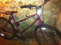 Great condition Pink Huffy Bike. Great for girls or