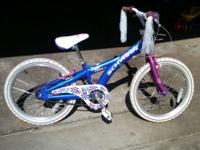 Girls Bicycle for sale, great condition. Frame design