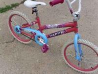Excellent condition Huffy bike with 20 inch tires 25.00