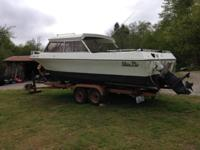 This is a 19 foot glasply boat with a Volvo penta 140