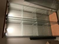-Glass cabinets in GREAT condition -3 spotlights in