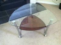 New glass top coffee table perfect condition need to