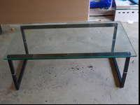 Great condition!Matching glass top coffee table and end