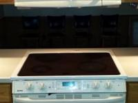 Outstanding condition - luxury Kenmore glass top
