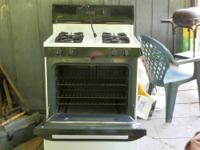 4 years old, Maytag glass top stove, EXCELLENT