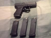 Glock 30SF pistol in.45 ACP quality. Has tritium night
