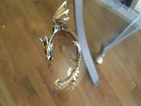 Type:JewelryObject/Variety:Earrings Fake Gold Dragon