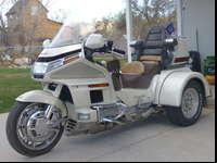 Gold Wing SE converted to a trike. 1990 motorcycle