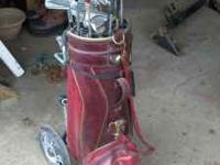 Old set of golf clubs. RH mens. Mixed and matched but