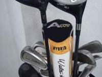 Set of Titleist Golf clubs with bag We offer a 30 day