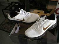 i am selling a pair of mens Nike golf shoes size 9 used