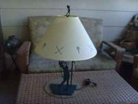 This stylish Golfer table lamp is perfect for the avid