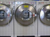 Front Tons Washer Milnor 1PH 30015CWE. Great Operating