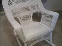 WICKER ROCKER VINYL, LIKE NEW, USE INSIDE OR