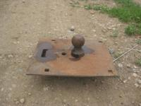 This is a gooseneck hitch for you pick up. It is a hida