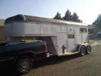 Good Gooseneck horse trailer with great floor, good