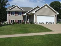 Gorgeous 2004 Built Open Concept in Whispering Pines -