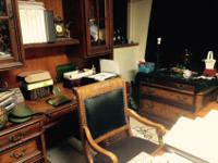 This 5-piece executive desk set makes the professional