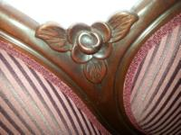 Very sturdy Victorian mahogany settee in excellent