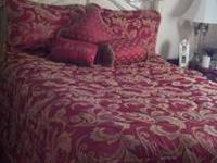 Gorgeous Queen Reversible Waverly Comforter Set in