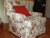 Gorgeous White Floral Single Lounge Chair & & Matching