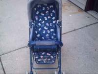 Graco stroller Collapsible, easy to push and turn to