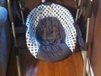Graco Baby Swing like new used for 3 weeks.