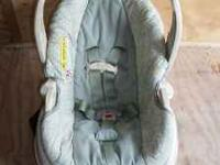 Im selling my used excellent condition graco car seat