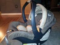 Nice graco car seat/infant carrier with the base in